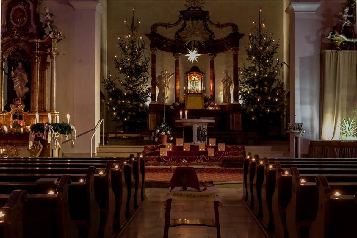 Advent Kirche